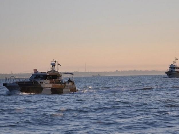 Россия обстреляла украинские корабли в Азове