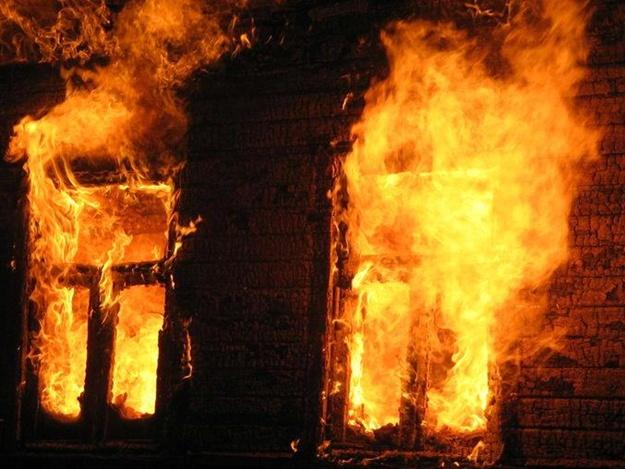 Сгорели в съемном доме: под Запорожьем во время пожара погибли двое мужчин