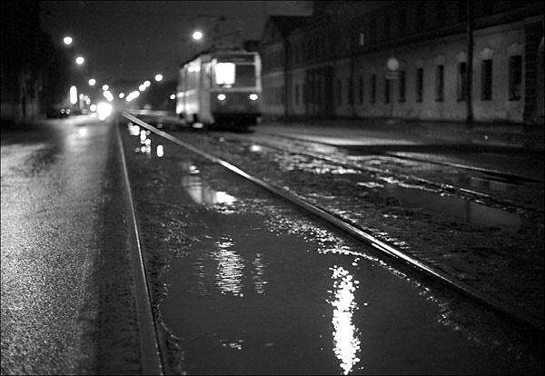 Следующая остановка - ДТП: в Шевченковском районе трамвай протаранил маршрутку (ВИДЕО)