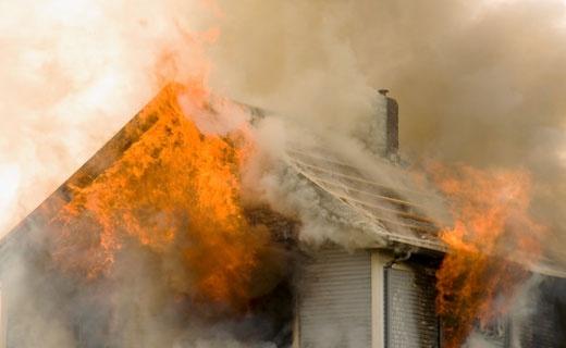 Снова погибший: на Радужной 4 машины тушили пожар