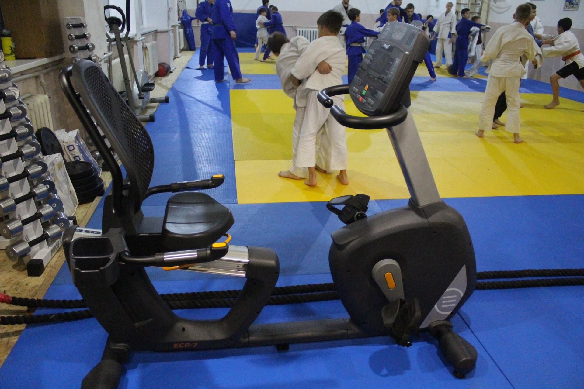 У Запоріжжі триває міська програма підтримки спортивних шкіл для юнацтва