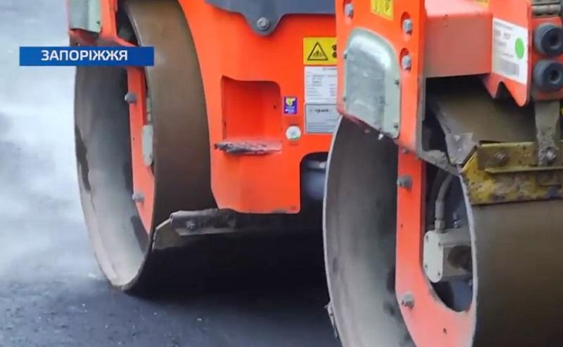 У Хортицькому районі триває ремонт доріг