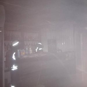 Фотофакт: В центре Запорожья сгорел киоск - 16.11.2018, 20:53