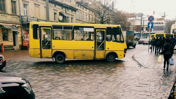 Частные перевозчики во Львове согласились бесплатно перевозить пенсионеров