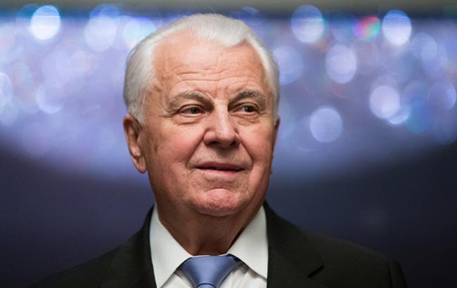 Экс-президенты Украины заявили о рисках введения военного положения