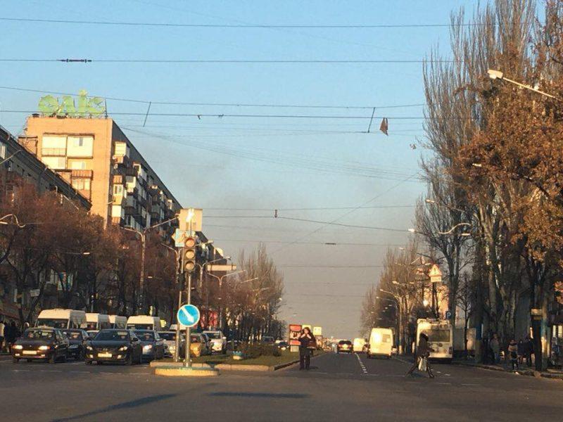 Запорожье накрыл черный смог со стороны заводов