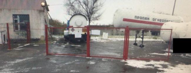 В Запорожской области пресекли деятельность нелегальной заправки
