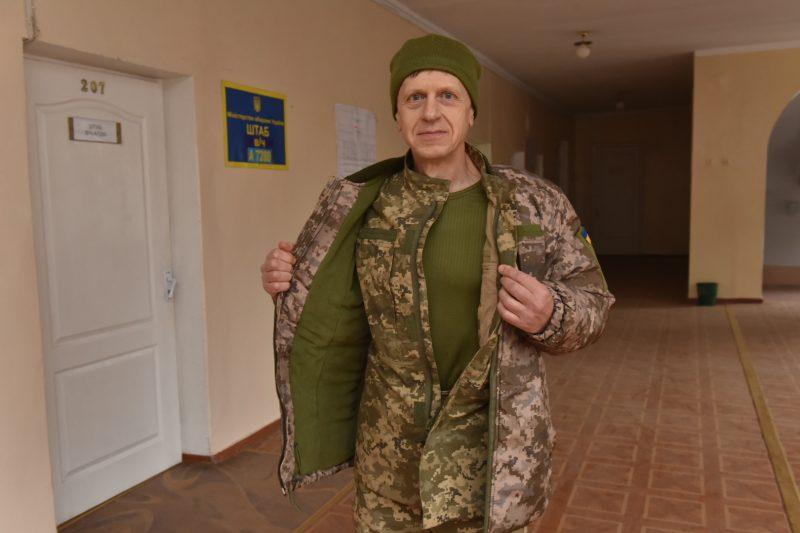 Наш коллега Владимир Фризько - одет, обут и накормлен
