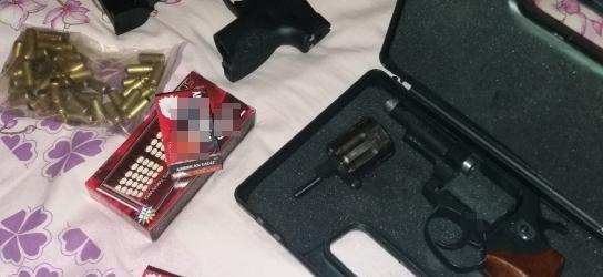 Два жителя Запорожья хранили дома оружие и боеприпасы (ФОТО)