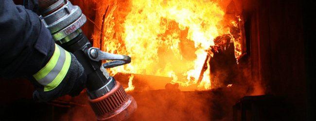 Запорожские спасатели тушили масштабный пожар на предприятии