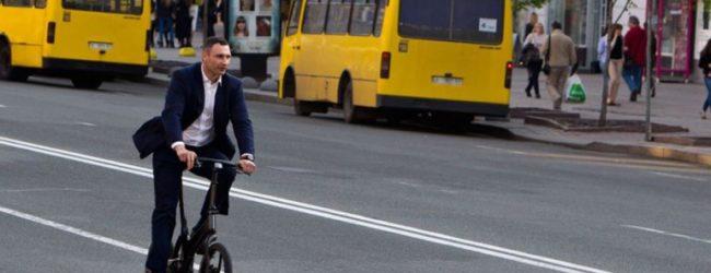 Кличко: Киев лидирует по ремонту дорог в Украине