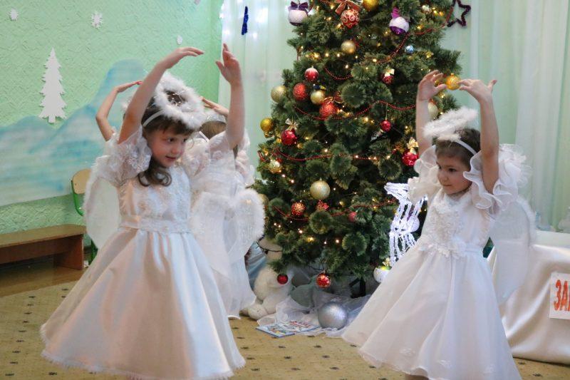 Малышам из запорожского «Солнышка» подарили чудесный праздник