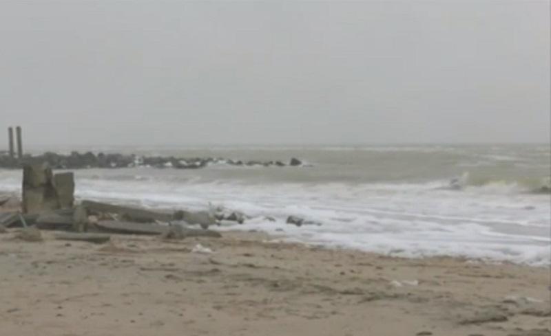 Через шторм в Азовському морі затопило десятки котеджів та баз у Кирилівці