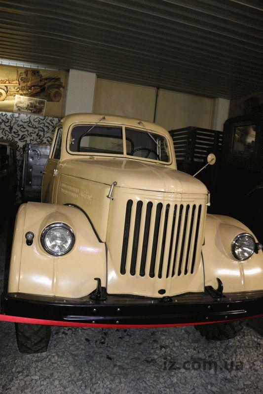 В Запорожье отреставрировали уникальный грузовик с интересной историей