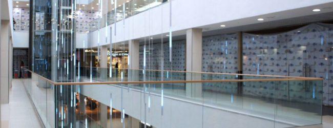 В Запорожье частному предприятию незаконно отдали недостроенный офисно-торговый центр