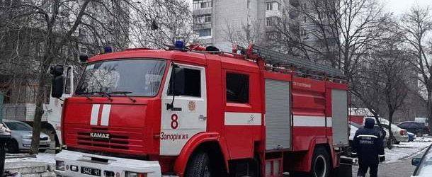 Запорожские спасатели потушили пожар в кабине водителя грузовика