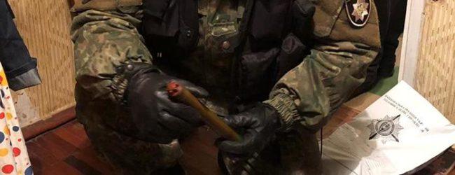 У жителя Запорожья выявили арсенал оружия (ФОТО, ВИДЕО)