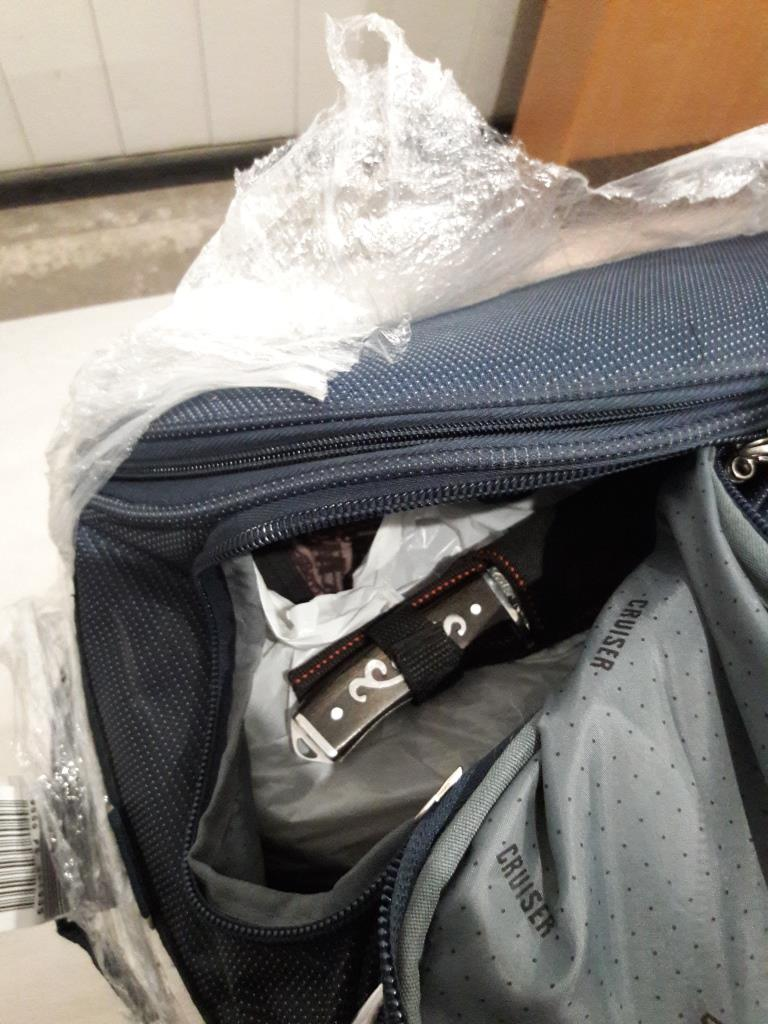 у пассажира аэропорта изъяли нож