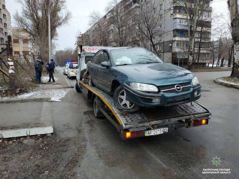 В Заводском районе пьяный водитель протаранил забор (ФОТО)