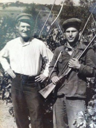 Поляков Андрей на охране виноградников