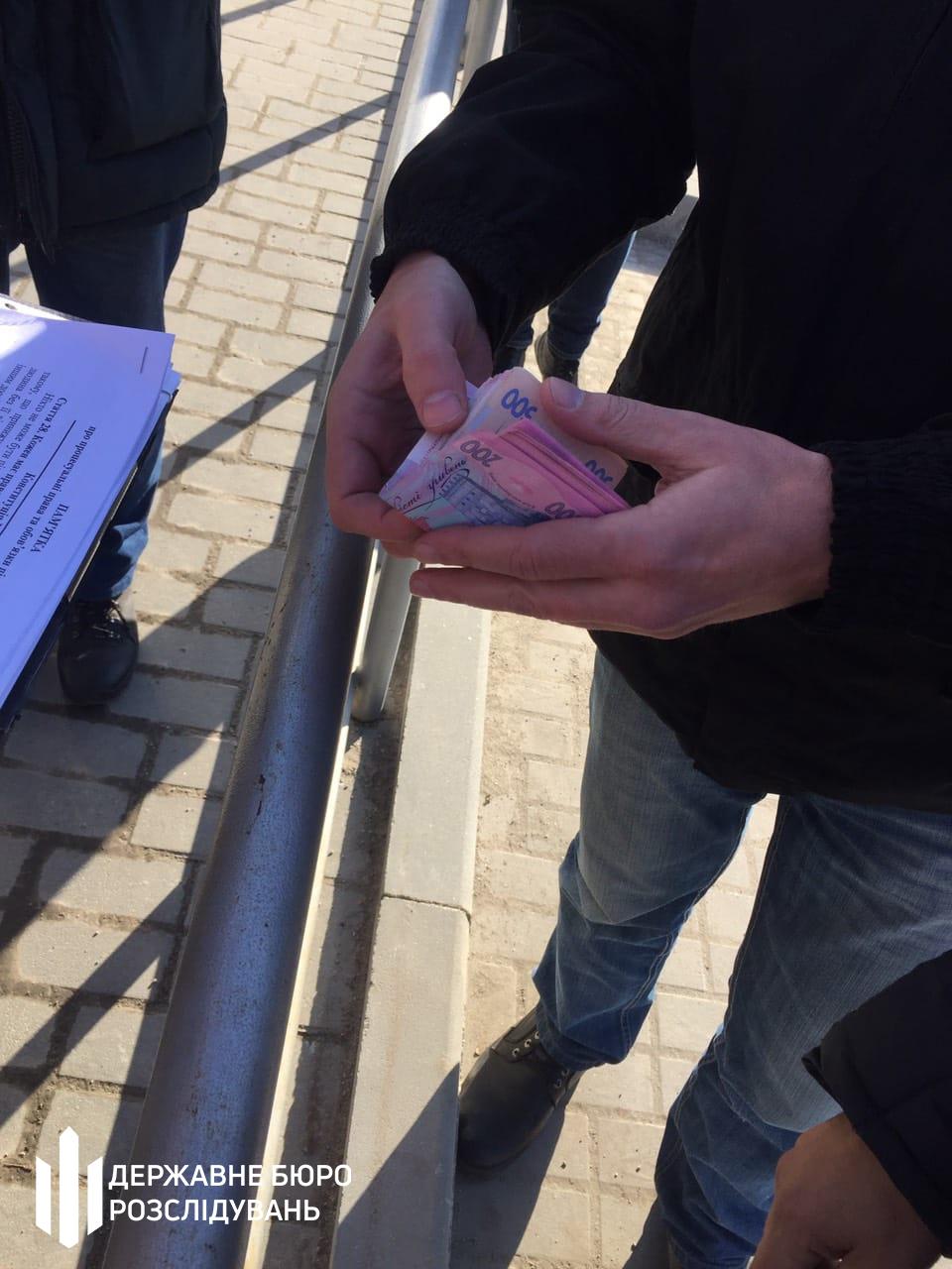 В Запорожье военнослужащий НГУ продавал информацию из базы данных МВД
