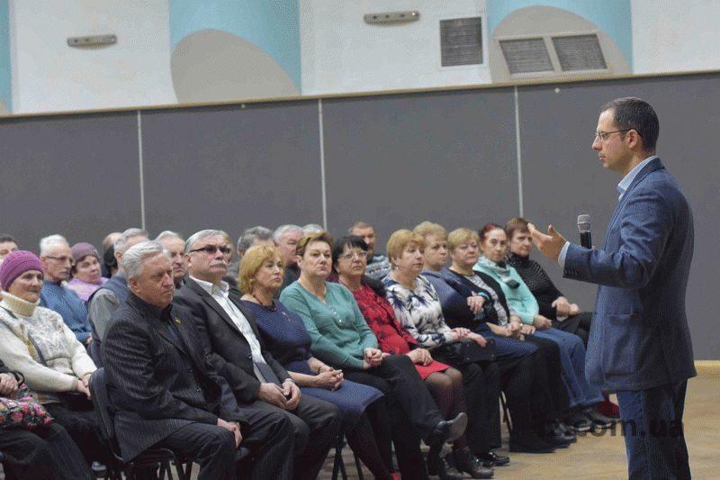 Генеральный директор комбината «Запорожсталь» встретился с ветеранами