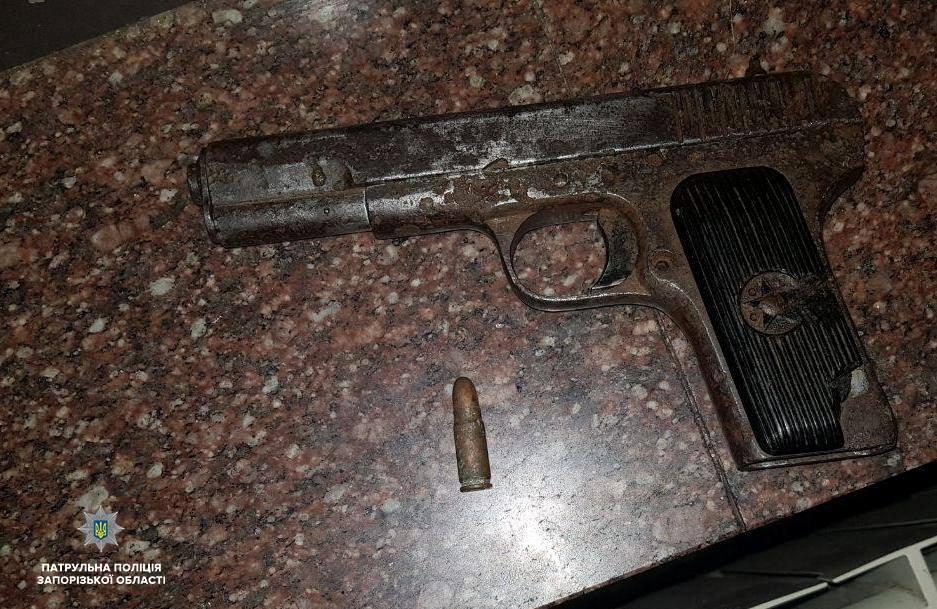У мужчины нашли пистолет