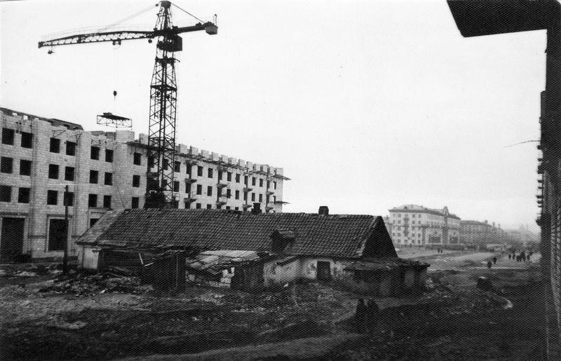 Строится кинотеатр имени Довженко