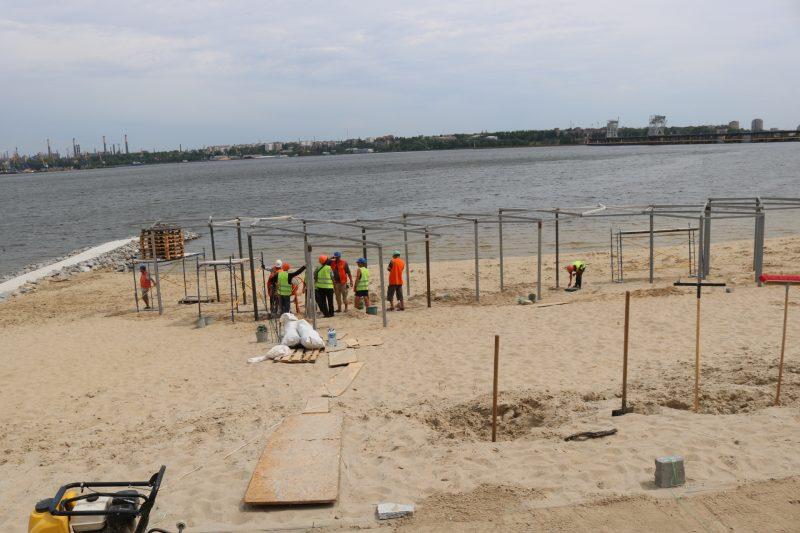 Реконструкция Правобережного пляжа вышла на финишную прямую