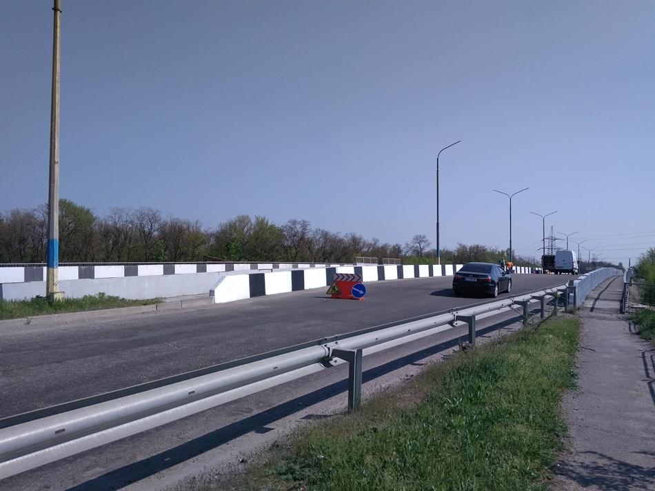 Установили железобетонные блоки с разметкой. Фото: служба автомобильных дорог в Запорожской области
