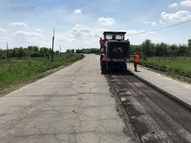 Начали ремонтировать дорогу около Орехова. Фото: пресс-служба ЗОГА