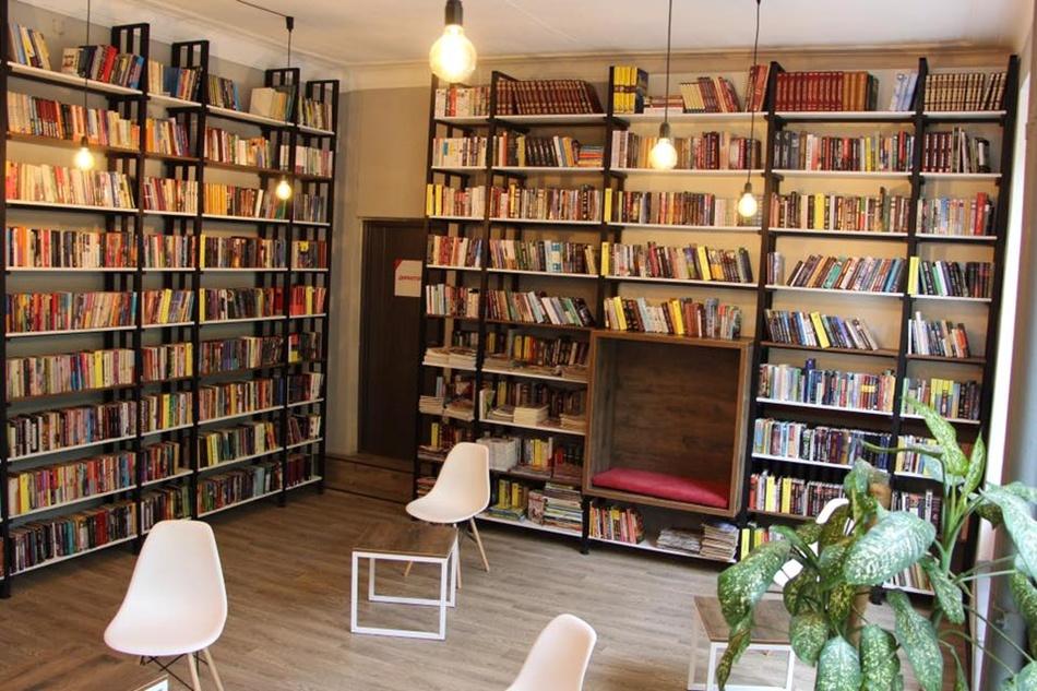 Библиотеку отремонтировали в современном стиле. Фото: fb Владимир Буряк