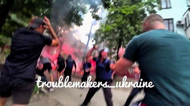 Полицейские быстро утихомирили бушующих. Фото: fb Troublemakers