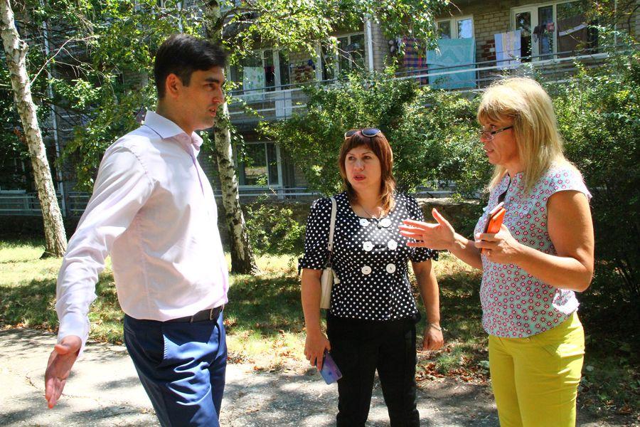 Егор Семенков с сотрудниками