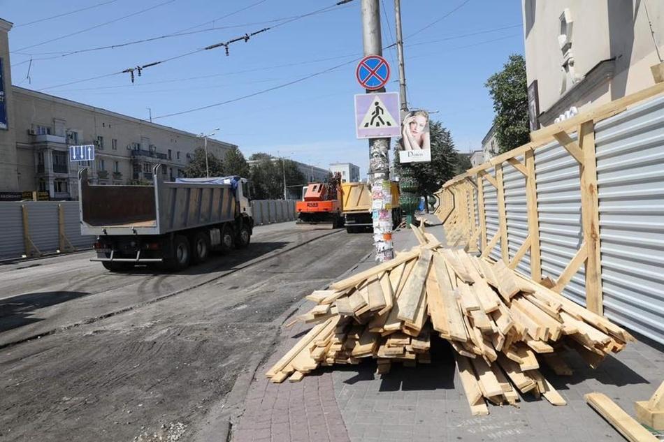Завершить все планируют до середины октября. Фото: fb Владимир Буряк