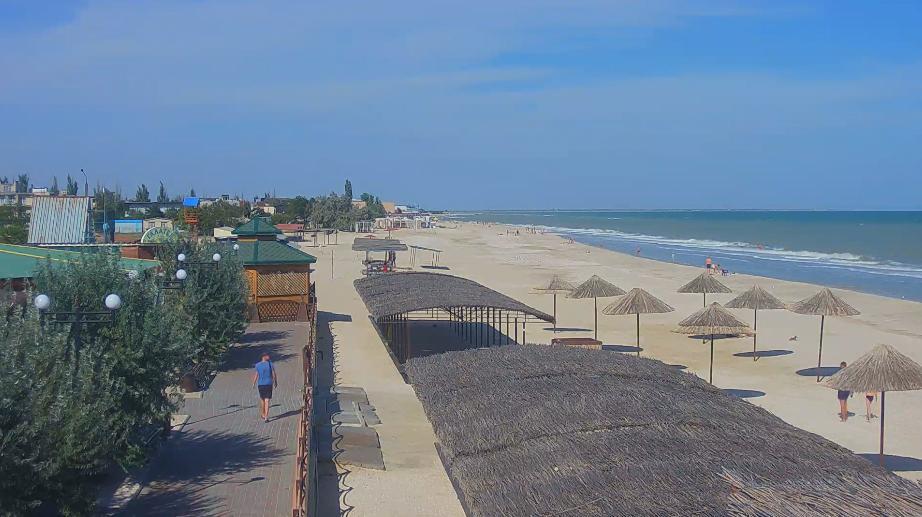 Некоторые части пляжей уже пустые / kirillovka.ks.ua