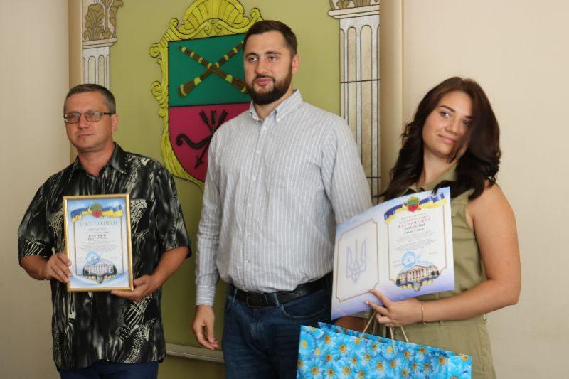 Юные спортсмены-призеры чемпионатов мира и их тренеры получили награды от городской власти