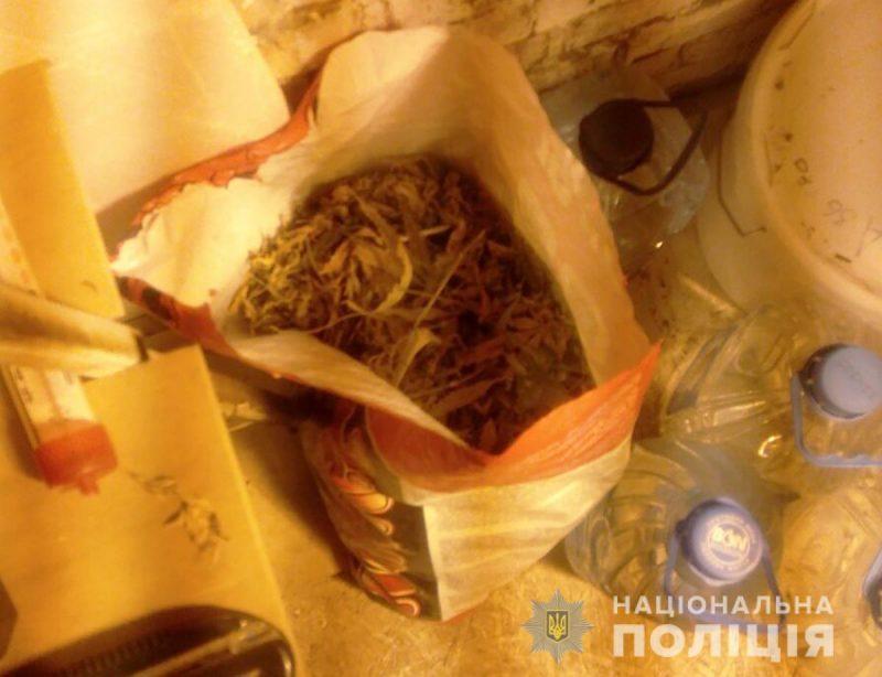 Житель села выращивал марихуану в специальном парнике