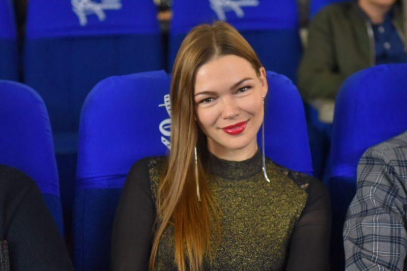 актриса Катерина Гулякова