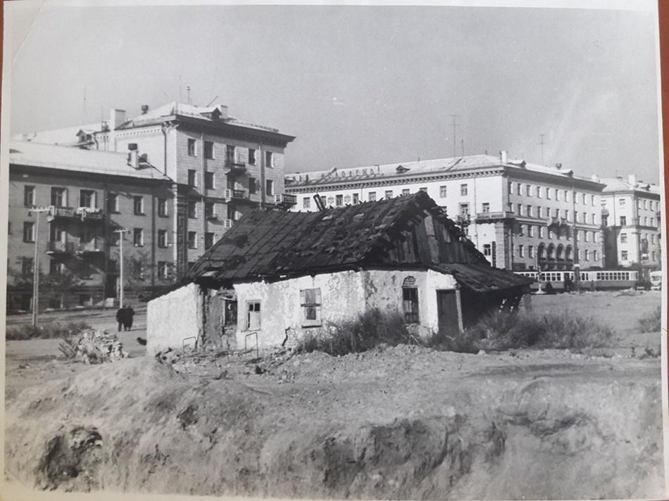 Проспект Соборный, место, где стоит ТЦ