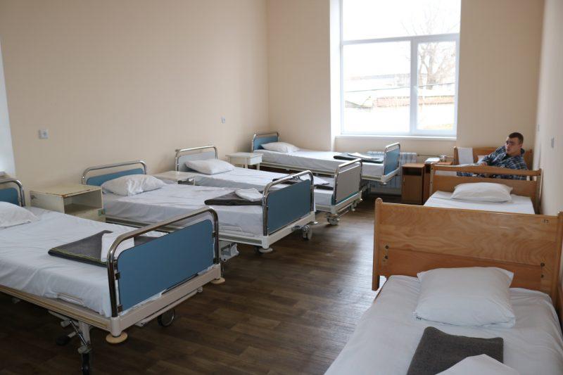 В 2019 году за средства бюджета города в Запорожском военном госпитале отремонтировали 4 палаты терапевтического отделения, манипуляционную комнату.