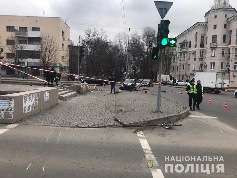 """Водитель """"Ланоса"""" сбил женщину на проспекте Металлургов"""