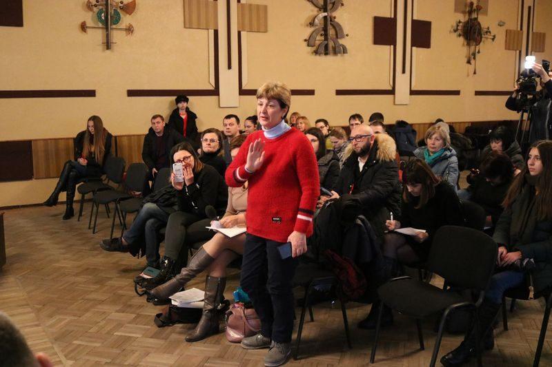 Учасники громадських слухань подякували працівників ЗЛМЗ за публічне обговорення проекту реконструкції газоочисток