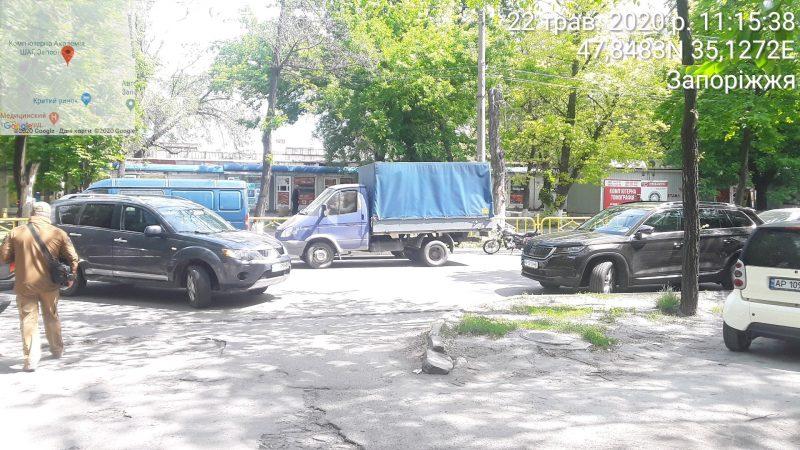 Инспекторы по парковке провели рейд возле Крытого рынка