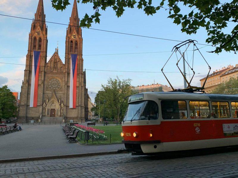 Такую Прагу туристам увидеть вряд ли посчастливится