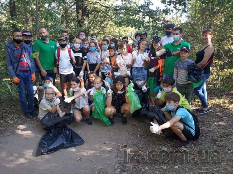 Прибирання сміття на Хортиці