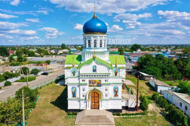 Старинный храм в Запорожской области с высоты птичьего полета выглядит потрясающе - фото