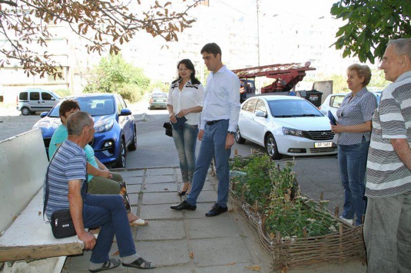 Єгор Семенков з мешканцями Південного мікрорайону