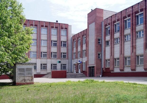 Уже не смешно: в Запорожье девятый раз за месяц минируют школу