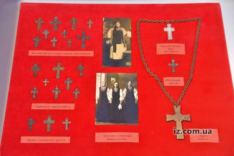 выставка крестов